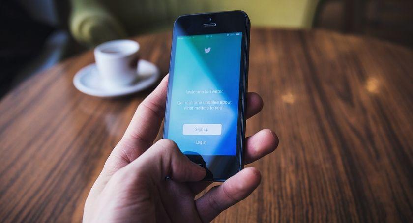 Przeglądamy Wieści Z Twittera Za Chwilę Dalszy Ciąg